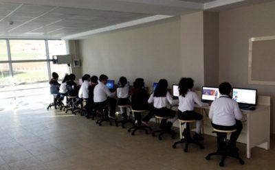 Samsun Özel Çizgi Üstü Fen Bilimleri Okulları Bilgisayar Laboratuvarı